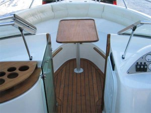 Nordic 22 BR  cockpit bow