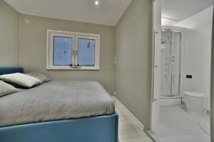 sypialnia + łazienka 1